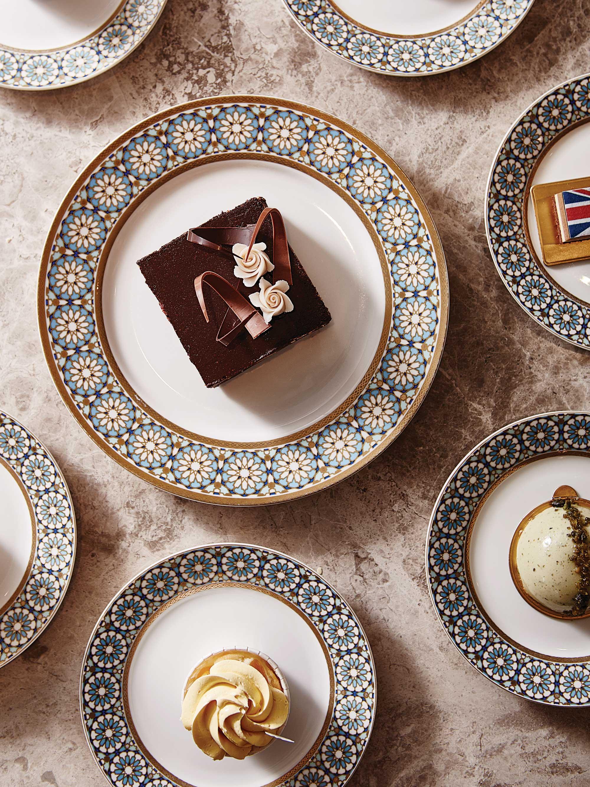 국 왕실의 디저트를 맛볼수있는더로열터치. 캐롤린 롭 셰프의 초콜릿 비스킷은 꼭 맛보아야 한다.