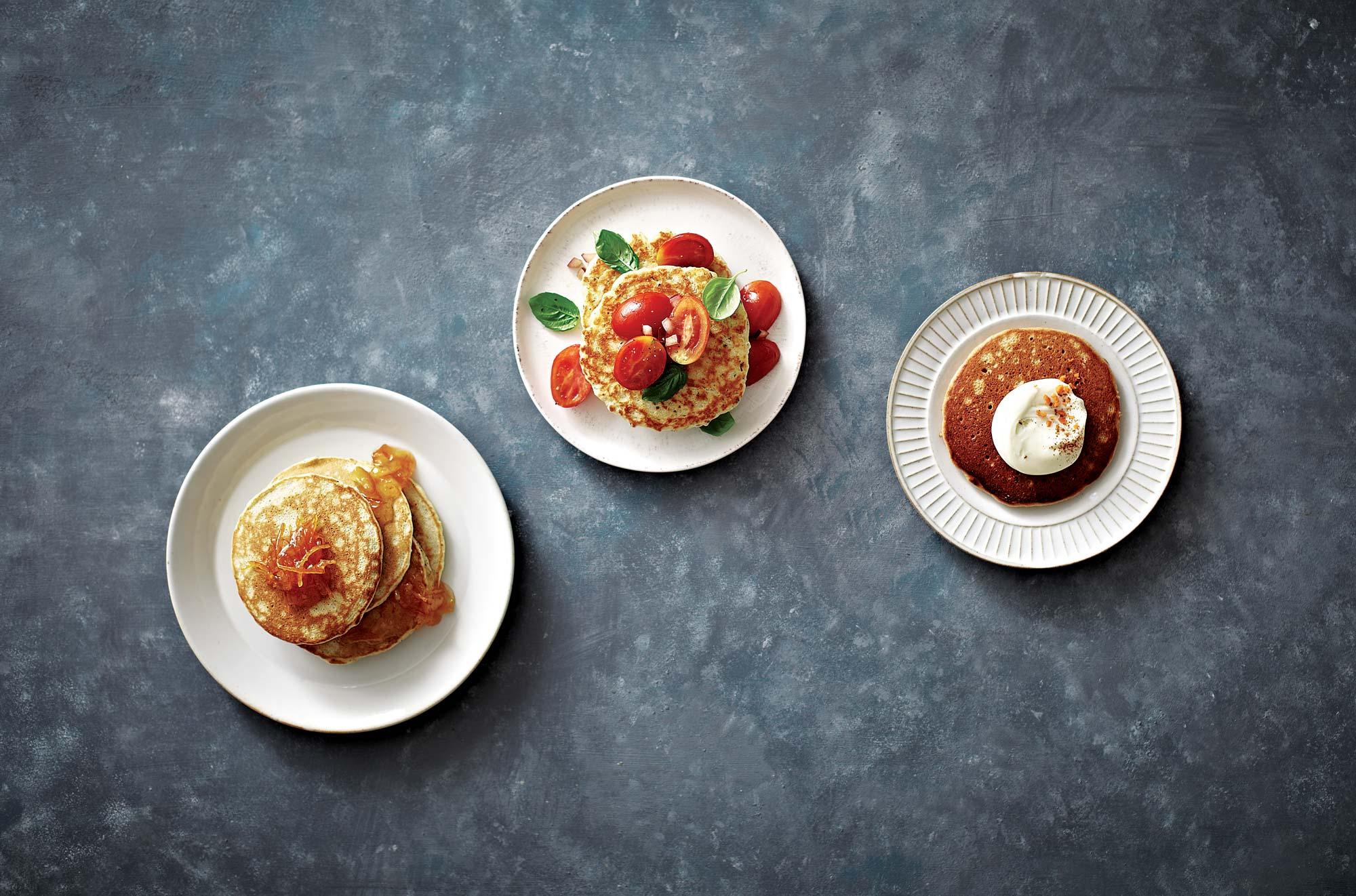 왼쪽부터 홍차팬케이크, 파르메산치즈팬케이크, 당근팬케이크 © 양성모