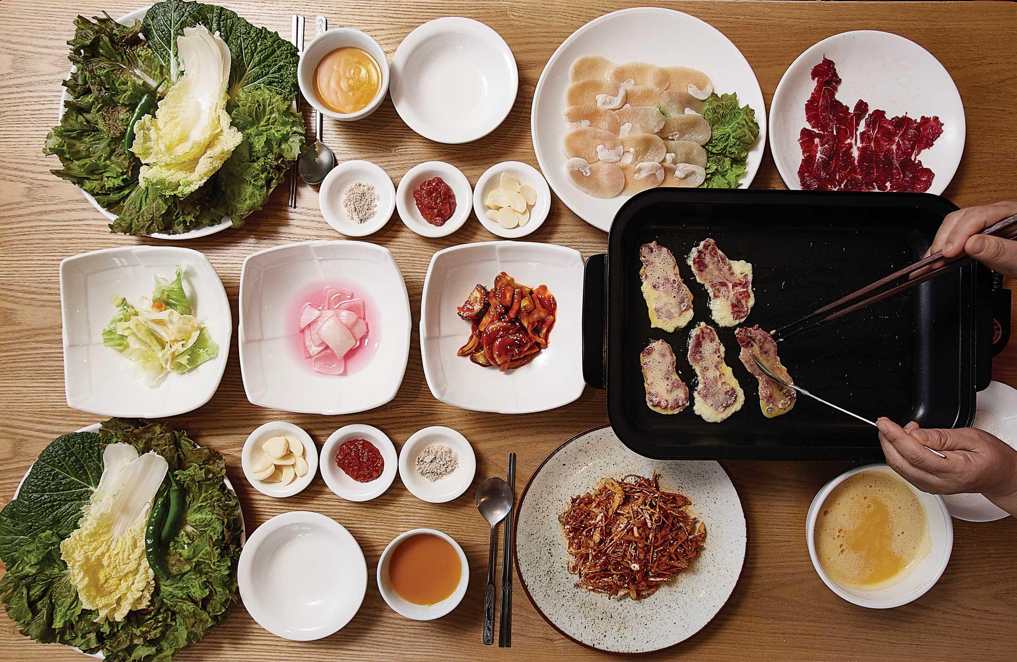 대광식당의육전.갓부친따끈따끈한육전을맛볼수있다 ©김재욱