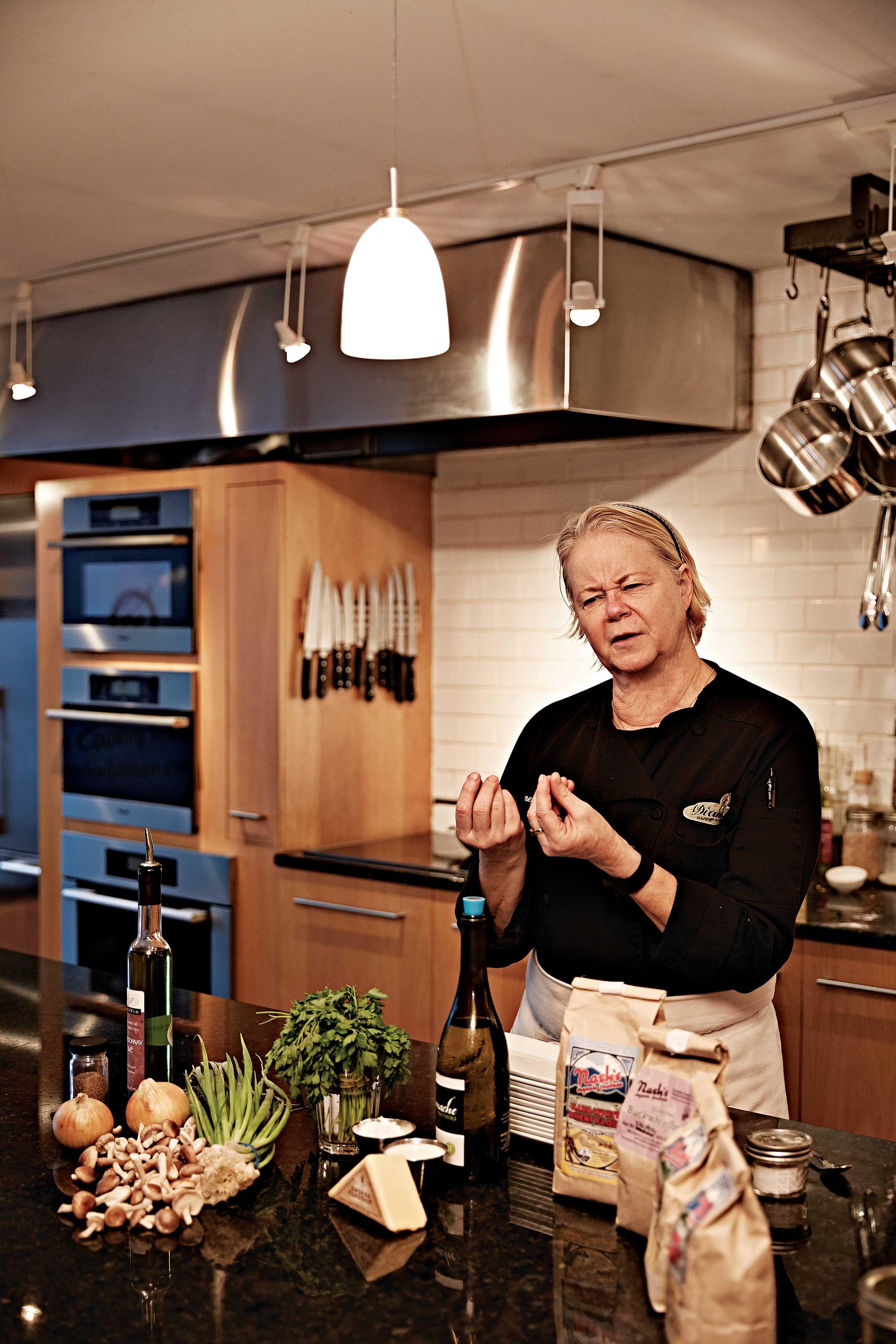 다이앤의 쿠킹 클래스에서는 좋은 식재료 선택이 요리에 미치는 영향에 대해 자연스럽게 터득할 수 있다. © 심윤석