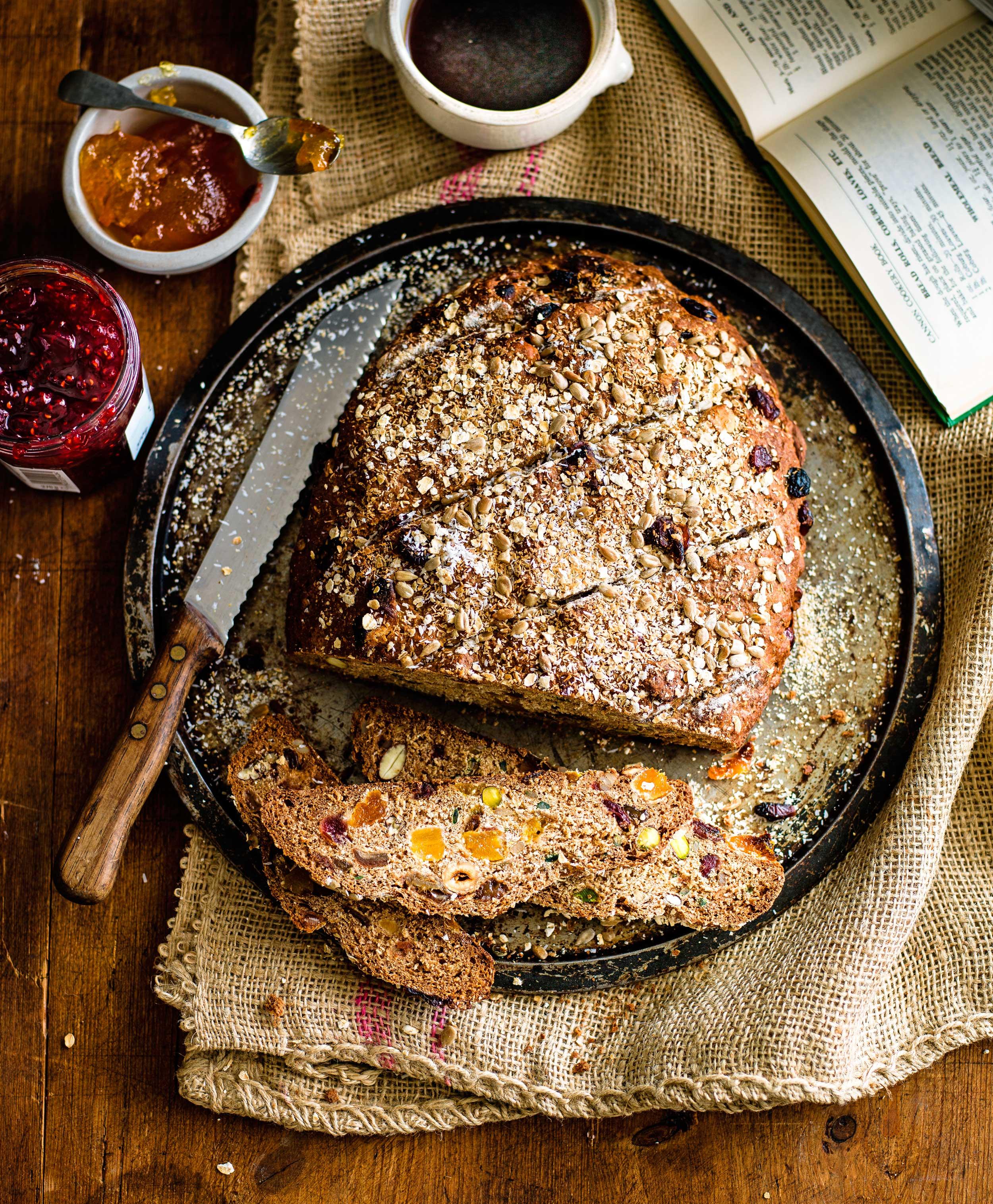 Muesli loaf © Ant Duncan