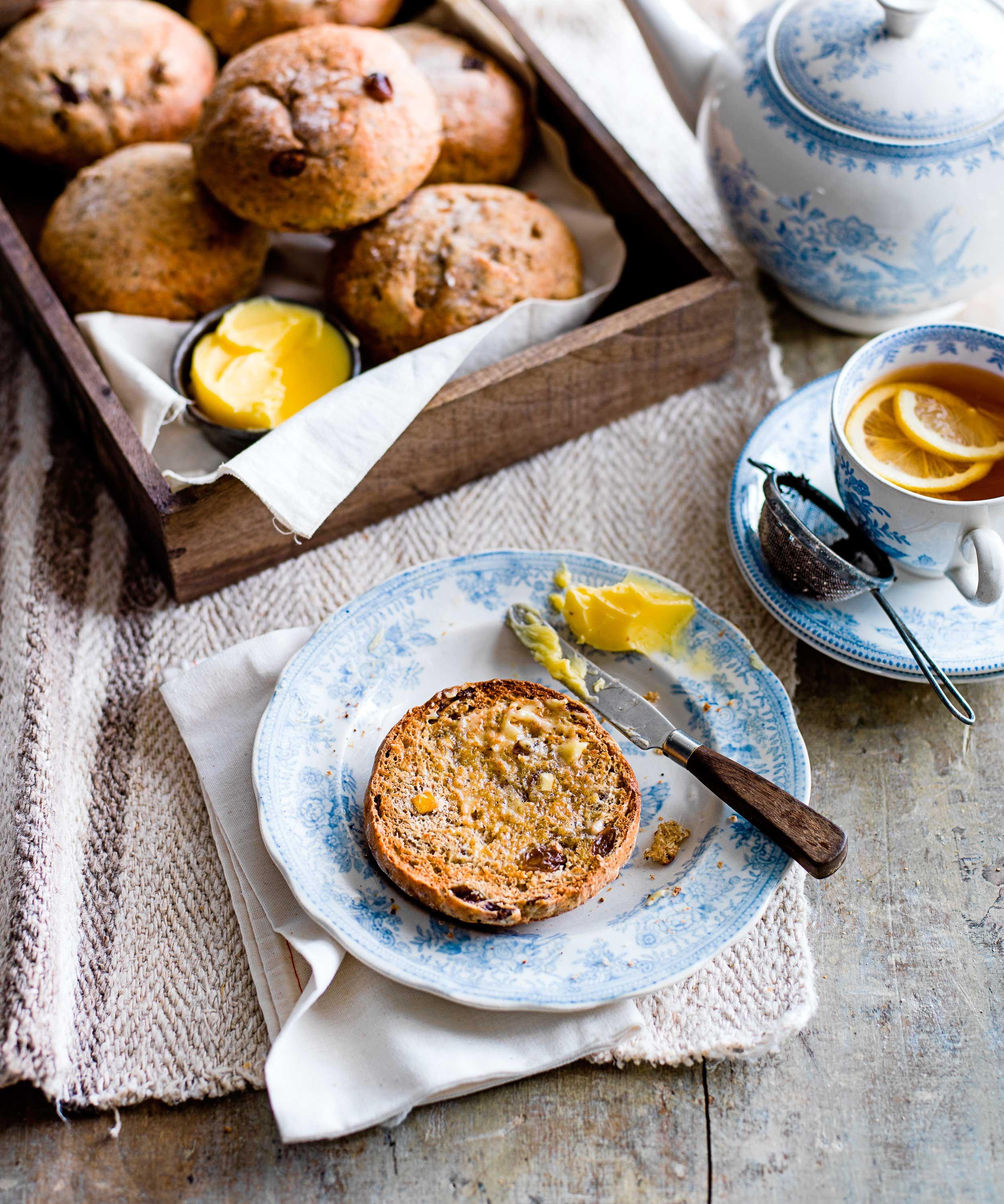 Earl grey teacakes © Ant Duncan
