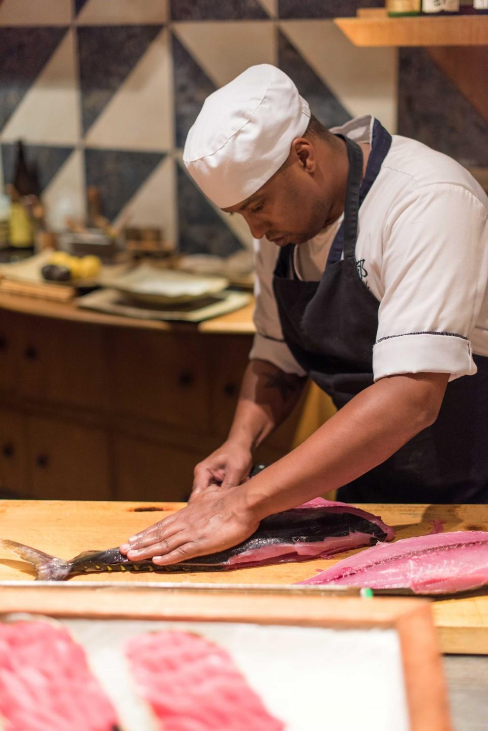 일식당 미야꼬에서는 생참치를 맛볼 수 있다. ©사이판관광청
