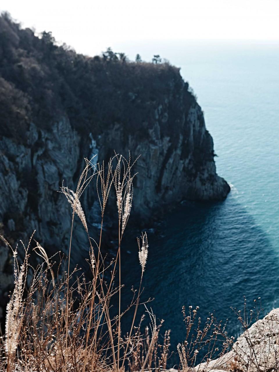 비렁길 1코스에서 바라본 절경. 비렁은 여수 사투리로 '절벽'을 뜻한다. © 김재욱
