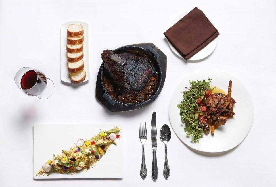 훈연한 리코타 치즈와 곡물 샐러드, 돌아온 정형돈, 돼지족발 뽀브루귀뇽 © 박성영, 양성모