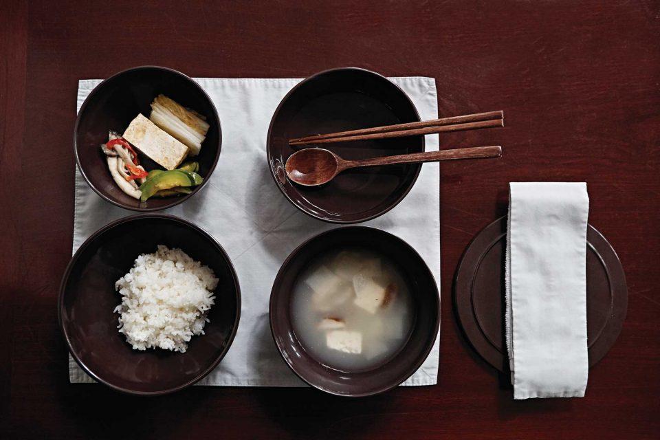 버섯, 호박나물, 뭇국 등 발우공양에 나오는 메뉴는 소박한 편이다. © 김재욱