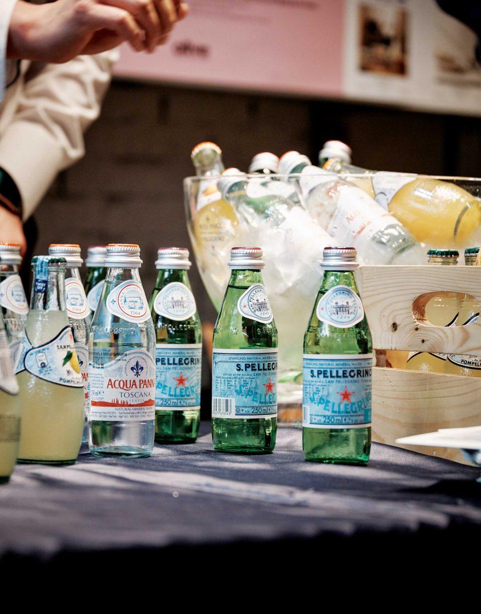 산펠레그리노 부스에서는 탄산수와 아쿠아파나 미네랄워터를 비롯해 천연 과즙을 넣은 산펠레그리노 스파클링 프루트 베버리지 등의 이탈리아 프리미엄 음료를 무료로 제공했다. © 양성모
