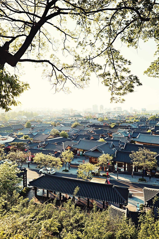 오목대에서 바라본 전주 한옥 마을 © 김재욱