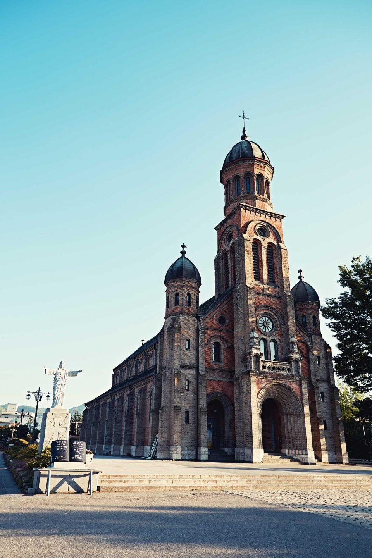 전주를 대표하는 건축물 전동성당은 해 질 녘에 바라보면 더욱 아름답다. © 김재욱