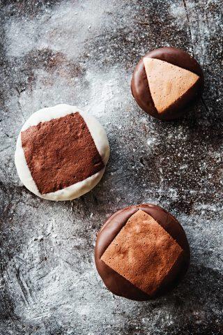 PNB풍년제과에서 가장 인기가 많은 제품은 역시 초코파이다. 파이 속에는 부드러운 크림과 딸기잼이 들어 있다. © 김재욱