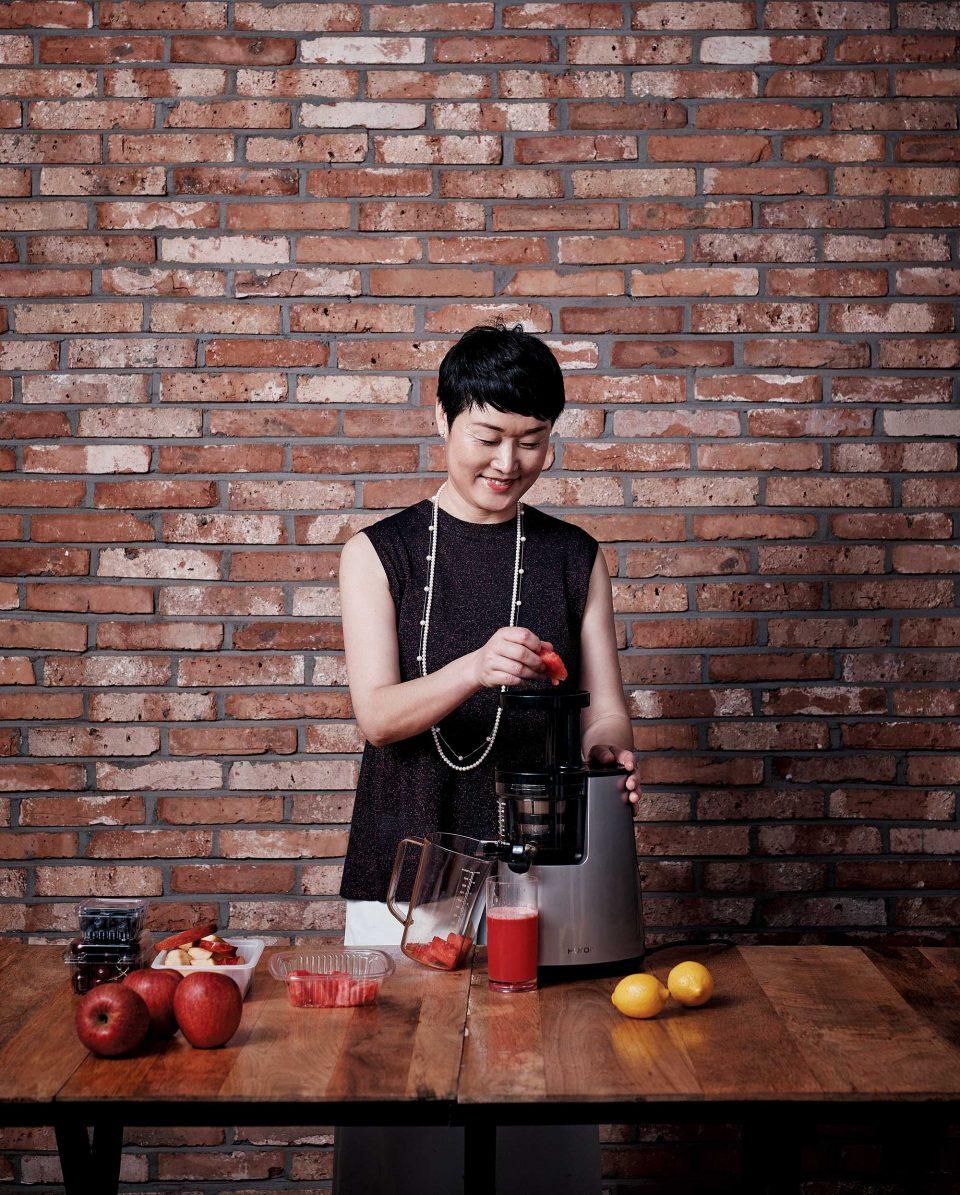 조향란 대표는 요즘 수박주스를 즐겨 마신다. 과일이 맛있으면 다른 재료를 넣지 않아도 충분히 맛있다.