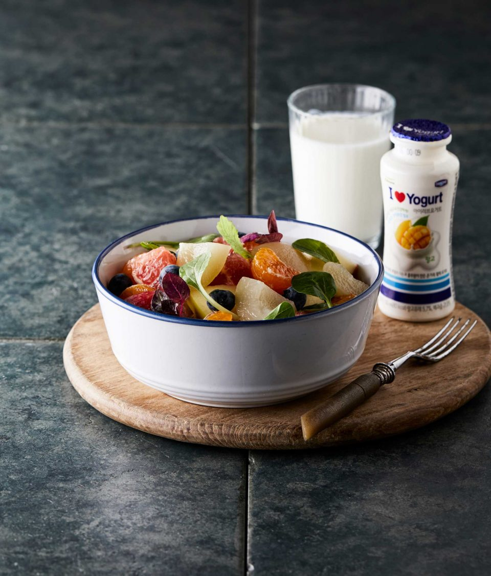 풀무원다논 아이러브 요거트+제철 과일 요거트의 프로바이오틱스와 과일의 비타민 C가 면역력 향상에 도움을 준다.