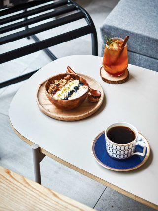 혁신 도시에서 가장 유명한 카페 공간. 그래놀라가 듬뿍 들어간 요거트볼은 아침 식사 대용으로도 제격이다.