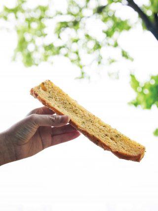 파주 곳곳에서 보이던 류재은 베이커리의 마늘 바게트.