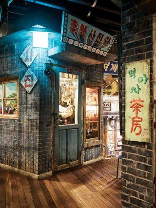 과거 한국의 거리 모습을 생생하게 재현한 한국근현대사박물관.