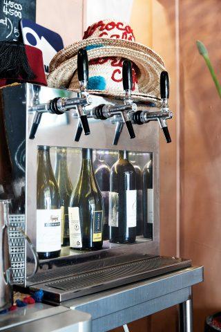 모로코코 카페의 3가지 하우스 와인. 특이하게 탭으로 내려준다