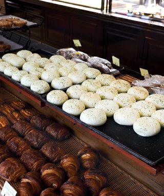 안동에서 가장 유명한 빵집으로 손꼽히는 맘모스제과의 크림치즈빵.