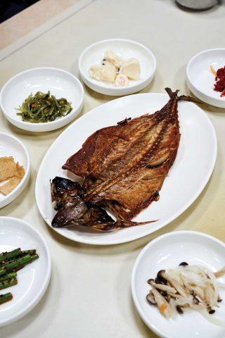 50년간 간잽이로 살아온 이동삼 명인의 안동 간고등어. 고등어의 육질, 감칠맛, 간까지 모두 완벽했다.