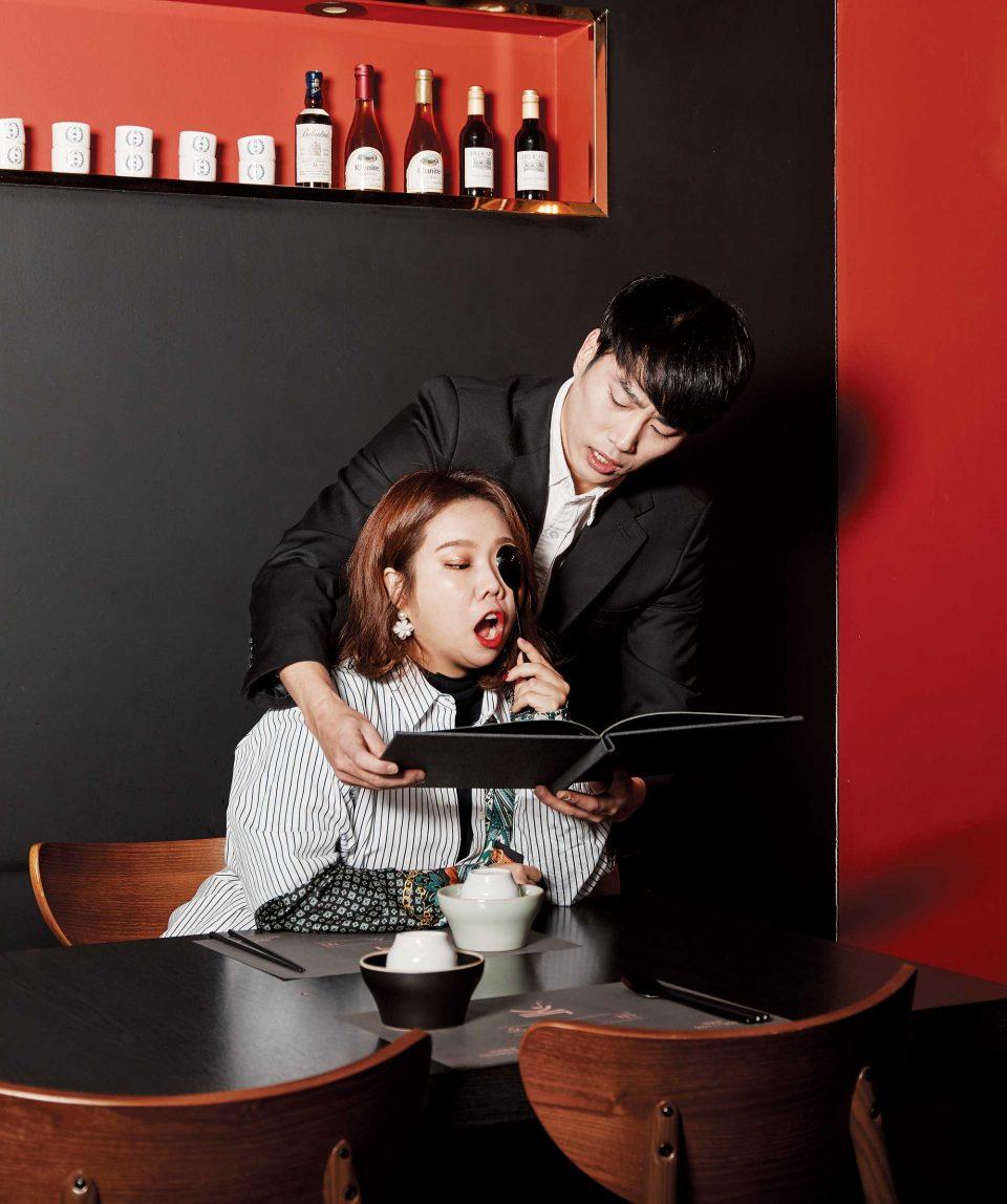 주문받는 모습도 특별한 장유환 대표와 홍현희의 모습.