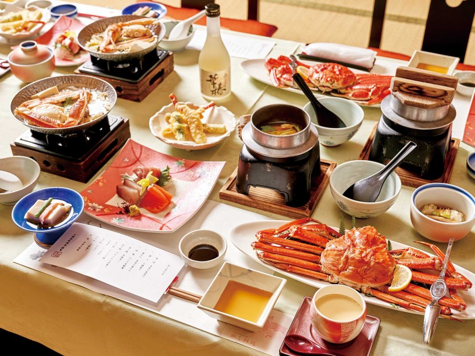 일본 전통 료칸인 미사사칸에서 맛본 게 가이세키 요리.