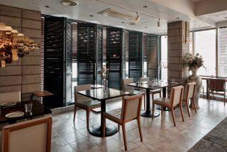 르방드지우는 퓨전 콘셉트의 아시안 푸드와 다양한 와인을 즐길 수 있는 곳이다.