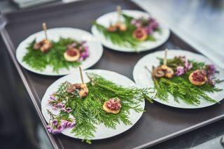 레스토랑 톡톡의 런치 코스 중 가장 첫 번째로 서브되는 웰컴 디시.
