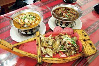 타이완 원주민 전통 음식으로 차린 한상.