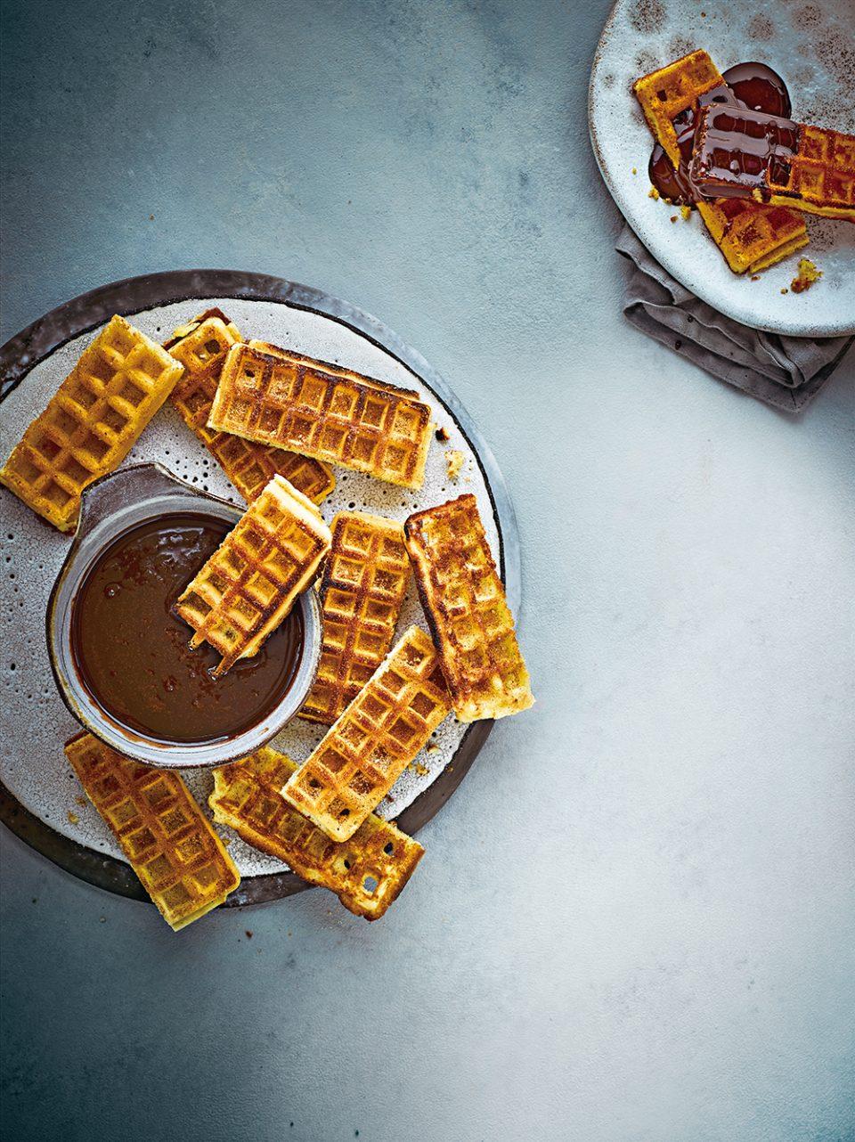 OLI-EASTER2020-3WaysChocolate-WaffleChurros_03434-960x1282.jpg